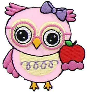 Motif hibou rose avec pomme rouge