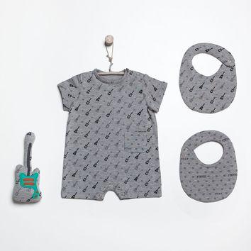 Patron de combinaison, bavoir et hochet - Katia Fabrics B7