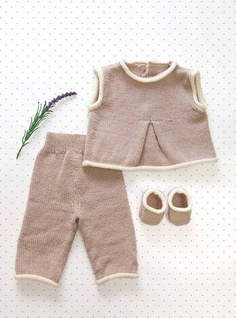 Modèle de top, pantalon et chaussons