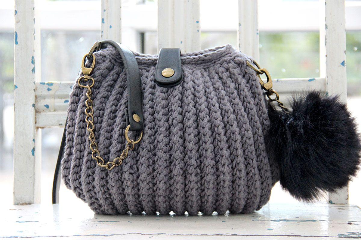 Anse de sac à main noire avec chaine bronze - 102 cm x 12 mm